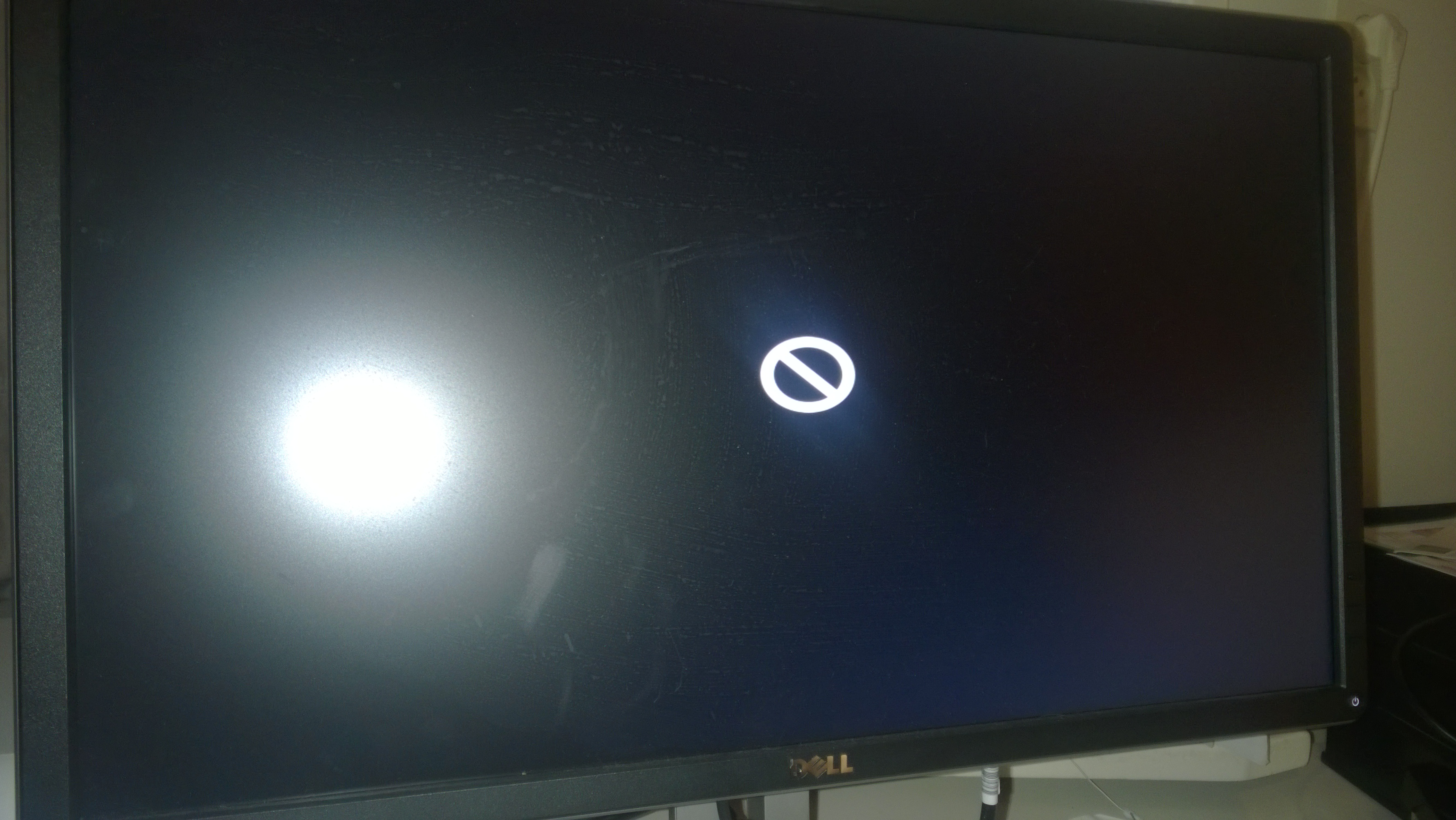 Help with my fist Hackintosh - Stuck at apple logo after